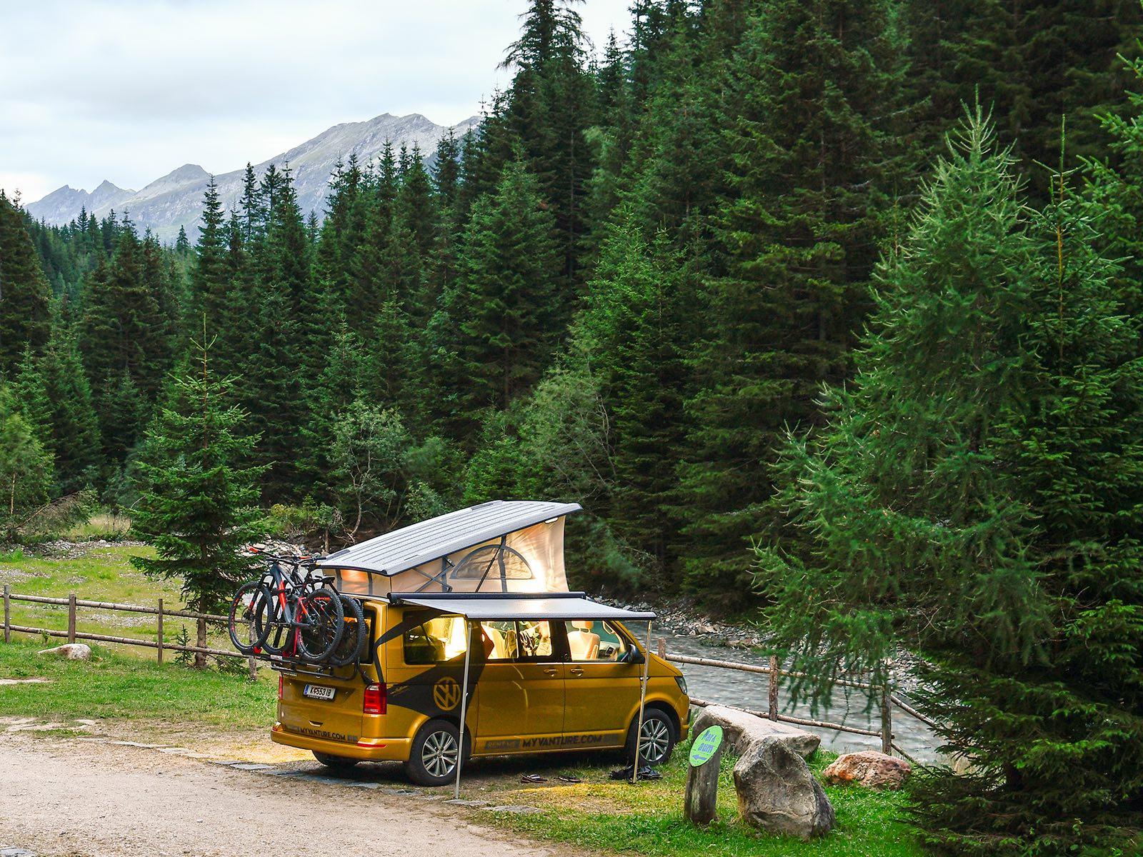 Van im Campingmodus